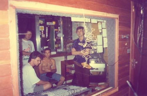 aquário Estúdio Dreher - Demétrio, Birck, Passarinho e Júpiter ouvindo atentamente as gravações
